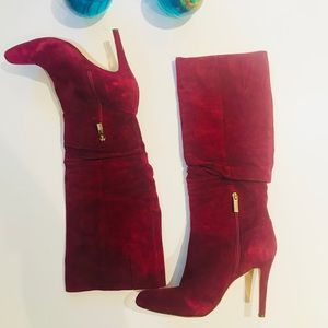 Like New Luxurious Soft Suede Leather in Shiraz
